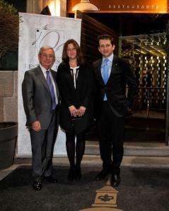 Ana Acín y Ramón Dios con Rafael Ansón, presidente de la Real Academia de Gastronomía Española