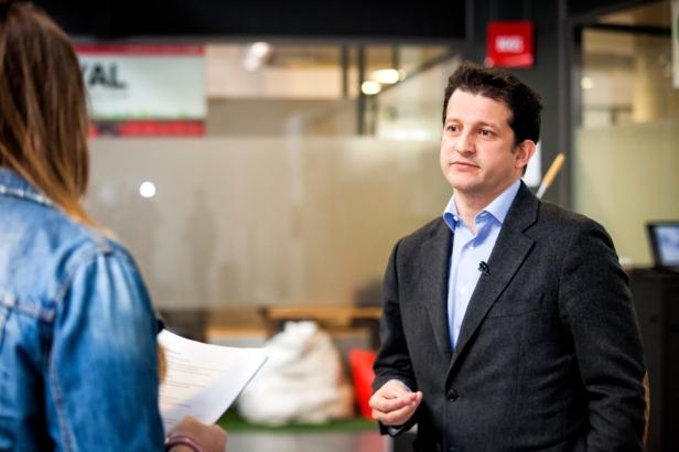 Ramón Dios, presidente de Jeunes Restaurateurs d'Europe, durante una entrevista con motivo del 40 aniversario de la asociación gastronómica (abril 2014)